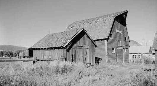 Thomas Powers livestock barn, built c. 1860 on Hwy 224