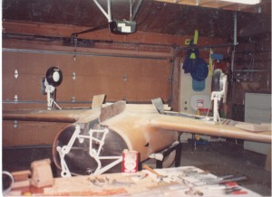 1993-05-body-wings-in-garage